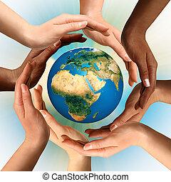 multiracial, cercar, globo, terra, mãos