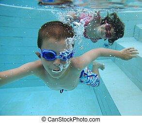 natação subaquática