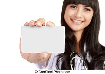 negócio mulher, doutor, médico, jovem, mostrando, cartão