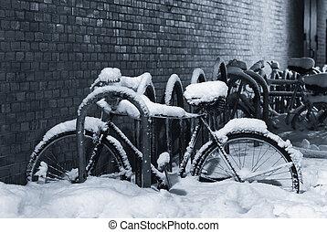 neva-coberto, bicicleta