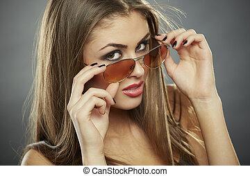 olhar, tu, mulher, óculos de sol, segurando