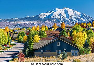 outono, vizinhança residencial, colorado
