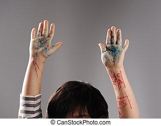 pequeno, culpado, cima, mãos, sujo, rendição, mãos
