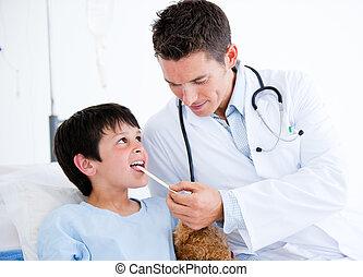 pequeno, exame, assistindo, cute, menino, médico