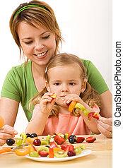 pequeno, lanche, saudável, -, mulher, vara, frutas, menina, preparar