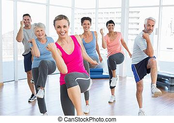 pessoas, ioga, poder, exercício, sorrindo, classe aptidão