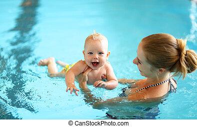 piscina bebê, natação, ensinando, mãe