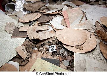 quarto messy, trashed
