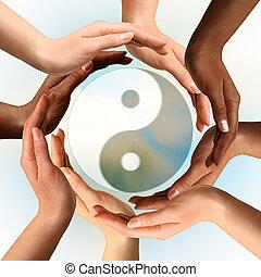 símbolo, yin, multiracial, cercar, yang, mãos