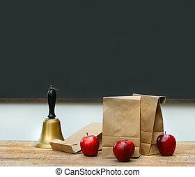 sacolas, sino escola, almoço, maçãs, escrivaninha