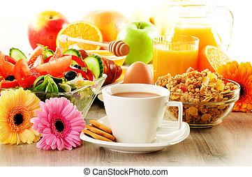 salada, croissant, café, suco, muesli, pequeno almoço, ovo