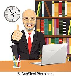 seu, trabalhando escritório, laptop, cima, mão, enquanto, polegares, homem negócios, fazer, sênior, sinal