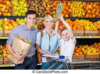 shopping, família, prateleiras, contra, frutas, tem, feliz