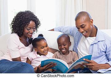 sofá, leitura, storybook, família, feliz