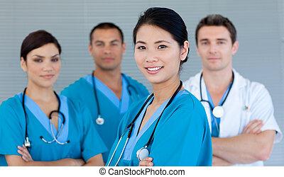 sorrindo, câmera, equipe, médico