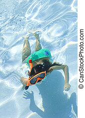 submarinas, snorkel, óculos proteção, criança, menina, piscina, natação