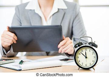 tabuleta, executiva, pc, cronometrando, mercado, estoque