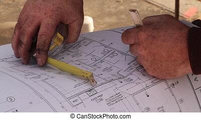 trabalhadores, construção, desenhos técnicos, consultar