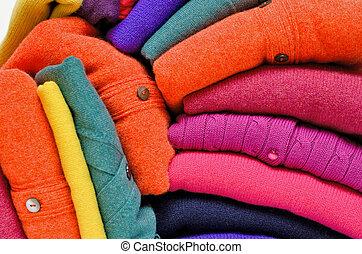 vívido, contra, mulheres, cores, luminoso, white., cardigans, camisolas de malha, pilha