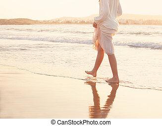 verão, andar, descalço, femininas, férias, experiência., mar, water., feriado, praia