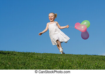 verão, ao ar livre, executando, criança, balões, feliz