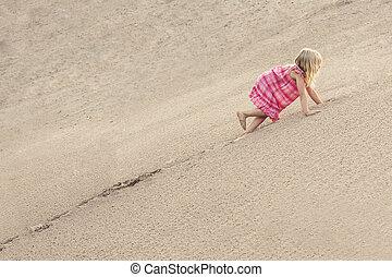 verão, areia, dune., escalando, menina, dia