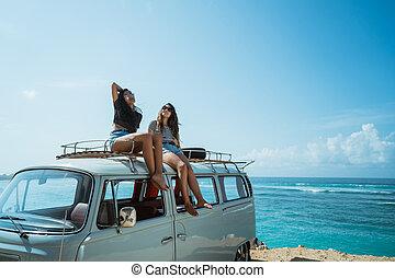 verão, furgão, dela, relaxante, telhado, hipster, retro, menina, estrada, t