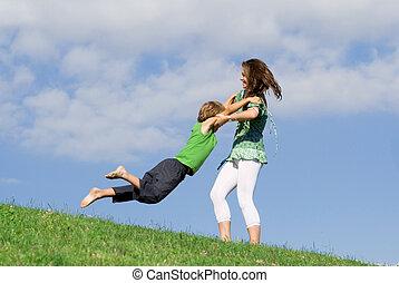verão, mãe, ao ar livre, criança jovem, tocando