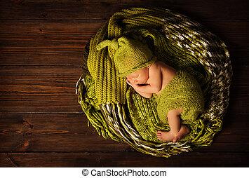 woolen, marrom, retrato, madeira, dormir, recem nascido, fundo, bebê, chapéu, criança